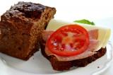 Gi-bröd med nötter och russin
